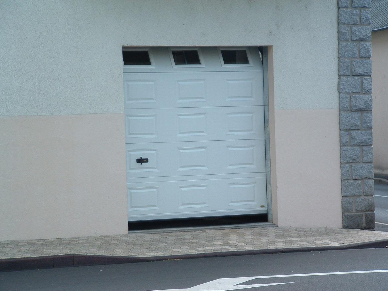 portes de garage tous types d 39 ouvertures motorisation mat riaux. Black Bedroom Furniture Sets. Home Design Ideas